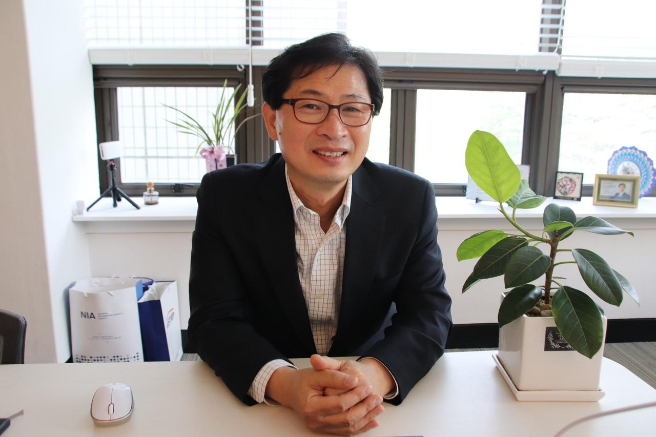 서울대 대학원 협동과정 인공지능전공 이경무 주임교수